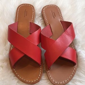 NWOT Urban Outfitters leather slides
